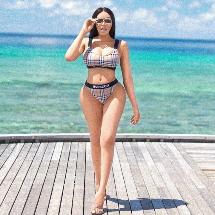 Dencia flaunts her curvaceous bod in sexy swimwear photos